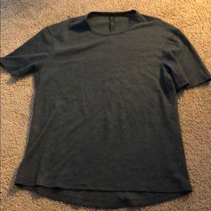 Lulu t shirt